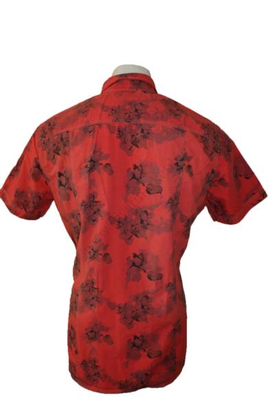 Eredeti GIN TONIC mintás rövid ujjú férfi ing, kellemes piros színvilággal, pamut anyag összetételű, XL méretben Állapota:új és címkés Váll:45 cm Mell:59 cm Hossz: 80 cm Ujjhossz: 24 cm