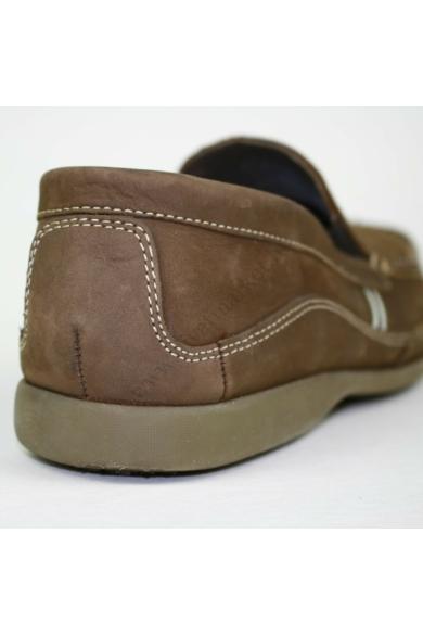 Eredeti CLARKS férfi bőr kényelmi cipő, mokaszin, kellemes barna színben, mindkét oldala gumírozott, uk7 41 méretbenÁllapota: újszerűBelső talphossz: 26.5 cm