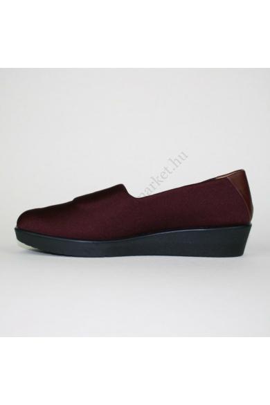 Eredeti HOTTER női vászon kényelmi cipő, kellemes bordó színben, extra puha talpbélése kivehető, belső része bőr,a lábfej felső része rugalamas textil anyagú, magasított sarokrésszel, uk4 37.5 méretbenÁllapota: újszerűBelső talphossz: 23.5 cmSarokmagasság