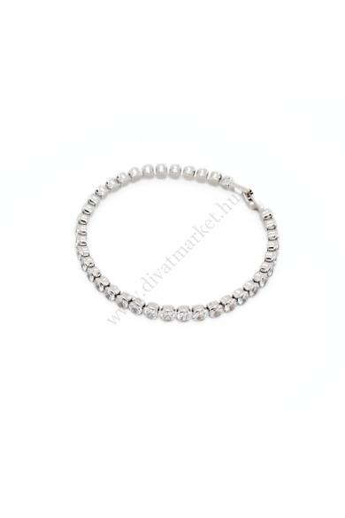 CANDEM cirkónia kristály női karkötő abszolút luxus hatású, áttetsző cirkónia kristályos karkötő. Mindennap tökéletes alkalom arra, hogy viseld ezt az igazán feltűnő darabot. Hossza: 19 cm Színe: ezüst, áttetsző kristály Anyaga: ötvözet, cirkónia kristály