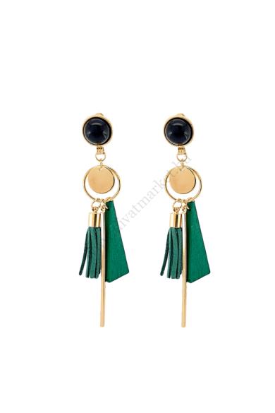 LYON női bohém fülbevaló abszolút a geometrikus formavilágot képviseli ez a fülbevaló zöld és arany színe kitűnő választás akár hétköznapi viseletre is, stekker zárral berakható fülbevaló. Hossza: 10 cm Színe: zöld, arany, fekete Anyaga: fa, ötvözet, műgy