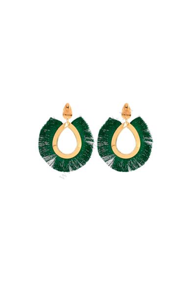 """AMILI női bohém fülbevaló ovális formájú rojtos, arany színű fém foglalattal, stekker zárral berakható bojtos fülbevaló. A hétköznapok business women """"hőseinek"""" ajánlott! Hossza: 9 cm Színe: arany, zöld Anyaga: ötvözet, fa, fonal"""