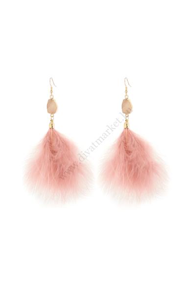 FERRARA marabu toll fülbevaló a nyári esküvők tökéletes kiegészítője ez a fáradt rózsaszín színű, hasított kristállyal díszített, tündöklő tollas fülbevaló. Horogzárral záródik, könnyű és kényelmes viselet a nyári partykon. Hossza: 15 cm Színe: arany, fár