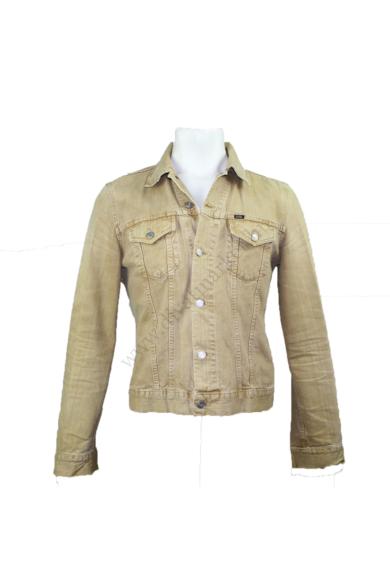 Eredeti GAS férfi farmerdzseki/kabát, kellemes világos barna színben, végig gombos, bélés nélküli, L méretben, állapota: újszerű, mért adatok: váll szélesség: 46 cm mellszélesség: 52 cm hossz: 63 cm ujjhossz: 68 cm