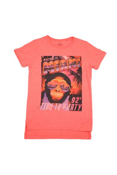 Eredeti NEXT MIAMI gyerek rövid ujjú póló, 7-8 éves 122-128 cm méretben, állapota: újszerű, mért adatok: váll szélesség: 32 cm mellszélesség: 40 cm hossz: 56-62 cm ujjhossz: 14 cm