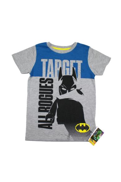 Eredeti LEGO BATMAN fiú rövid ujjú póló, 7-8 éves 122-128 cm méretben, állapota: új és címkés, mért adatok: váll szélesség: 30 cm mellszélesség: 38 cm hossz: 54 cm ujjhossz: 15 cm
