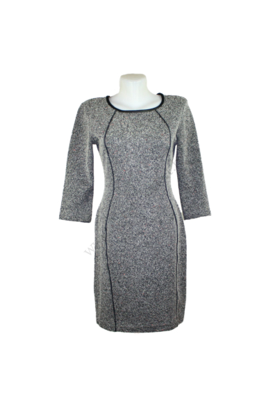 Eredeti H&M női ruha, kellemes pepita színben, rugalmas anyagú, háromnegyedes ujjú, hátrésze cipzáras, kevertszálas anyagösszetételű (57 % poliester, 28% pamut, 15% viskose) kényelmes viseletet biztosít, S méretben, állapota: újszerű, mért adatok: vál