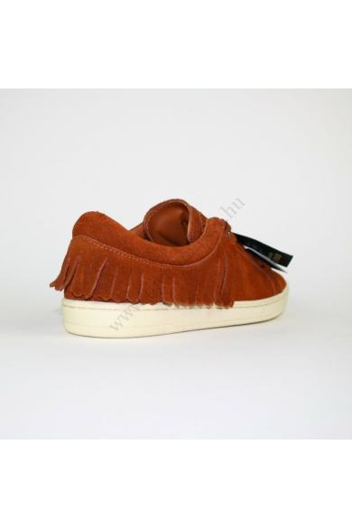 Eredeti ZARA BASIC női bőr (velúr) cipő, kellemes barna színben, kívül-belül bőr anyagú, kényelmes viseletet biztosít, uk4 37 méretben Állapota: új és címkés Belső talphossz: 23 cm Sarokmagasság: 2 cm