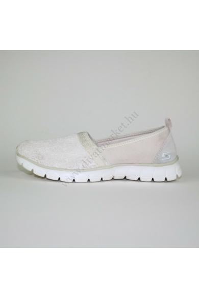 Eredeti SKECHERS női kényelmi cipő, kellemes krém színben, extra puha memóriahabos talpbélése kényelmes viseletet biztosít, csipke mintázatú, uk4 37 méretben Állapota: újszerű Belső talphossz: 24 cm Sarokmagasság: 2 cm