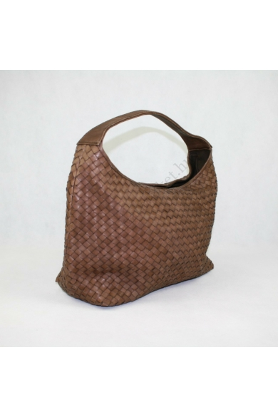 Eredeti PAOLA MASI női bőr kézi táska, barna színben, kézzel szőtt olasz bőrből készült, a felső fogantyú széles a kényelem érdekében, és rejtett mágneses kattanással nyílik meg. Az egyetlen rekesz sima pamutból bélelt, 1 oldalsó cipzáras zsebbel, telefon