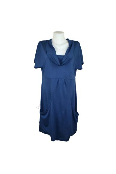 Eredeti TOM TAILOR női ruha, kellemes sötétkék színben, keretszálas anyagösszetételű (50% gyapjú, 50% modal),rugalmas, kellemes puha tapintású, zsebekkel díszített könnyed kényelmes viseletet biztosít, L méretben, állapota: újszerű, mért adatok: váll szél