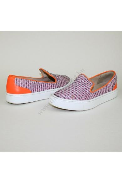 CLARKS NARRATIVE női cipő slip-one, kellemes narancs színben, különleges szövet mintázatú, sarok része párnázott, extra puha kivehető talpbélése rendkívül kényelmes viseletet biztosít, uk6D 40 méretben Állapota: újszerű Belső talphossz: 25.5 cm Sarokmagas
