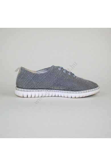 CLARKS női sportos cipő, kellemes szürke színben, bőr anyagú extra puha talpbélése rendkívül kényelmes viseletet biztosít, uk5D 38.5 méretben Állapota: újszerű Belső talphossz: 24.5 cm Sarokmagasság: 2 cm