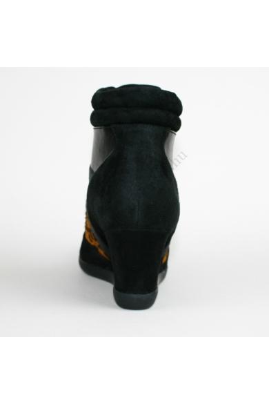 CLARKS női bőr (velúr) éktalpú bokacsizma (38)