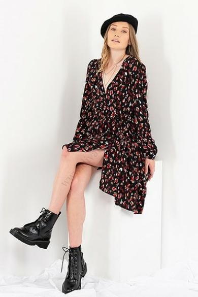 VERO MODA női ruha, kellemes fekete mintás színvilággal, 10214942 modell