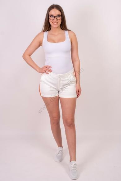 SISTERS POINT női rövidnadrág, kellemes fehér színvilággal, LIZA-SHO modell